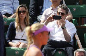 Hugh Grant watched Donna match vs Garcia