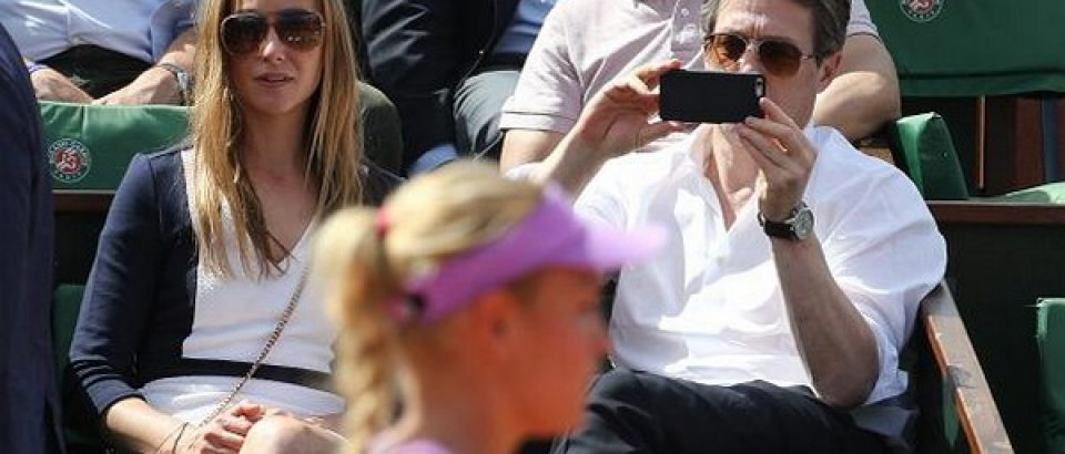 Hugh Grant watched Donna match vs Garcia